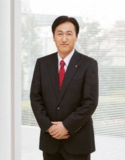 Itsuo Hama. Representative Director, President, Chief Executive Officer
